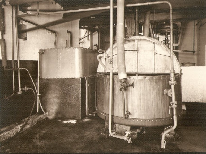Kornbrennerei-Buechter Ruehrtanks um 1946