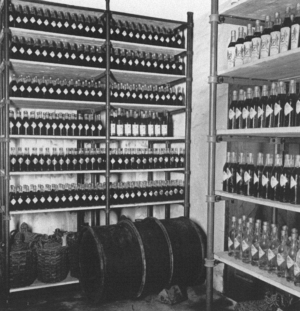 Kornbrennerei-Buechter Verkaufsshop um 1950